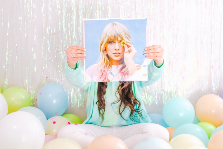 """How Taylor Swift Influenced Fashion With Her Album""""Lover"""""""